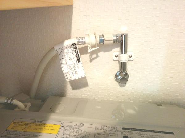 ドラム式洗濯機に使う壁ピタ水栓CB-L6は最高だけど取り付けは要注意